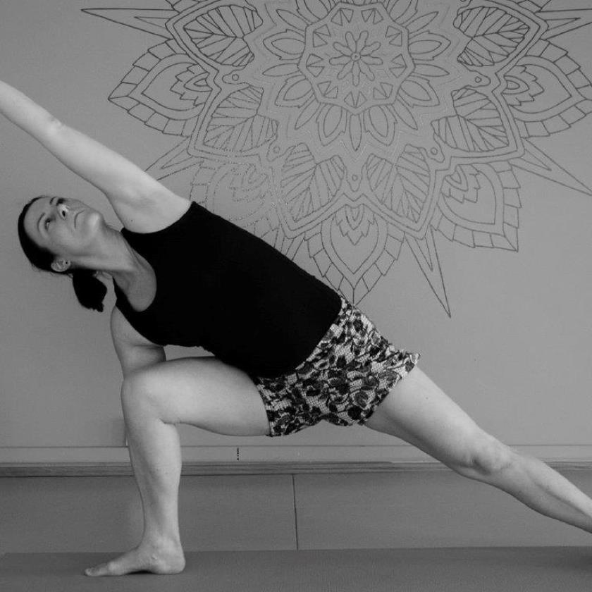 Morgenstrekk! - Gi kroppen og hodet en god start på uka! Grundig og rolig jobbing med yogaøvelser som gir styrke og energi. Timen passer for alle.Oppstart: Mand. 27. aug. kl. 7.30.-8.15Sted: Stavanger IdrettsklinikkKr: 1500, 6x Påmelding: veronica@stavangeridrettsklinikk.no Og vips til kode 77773.Timene ledes av yogalærer Veronica V. Johannesen.