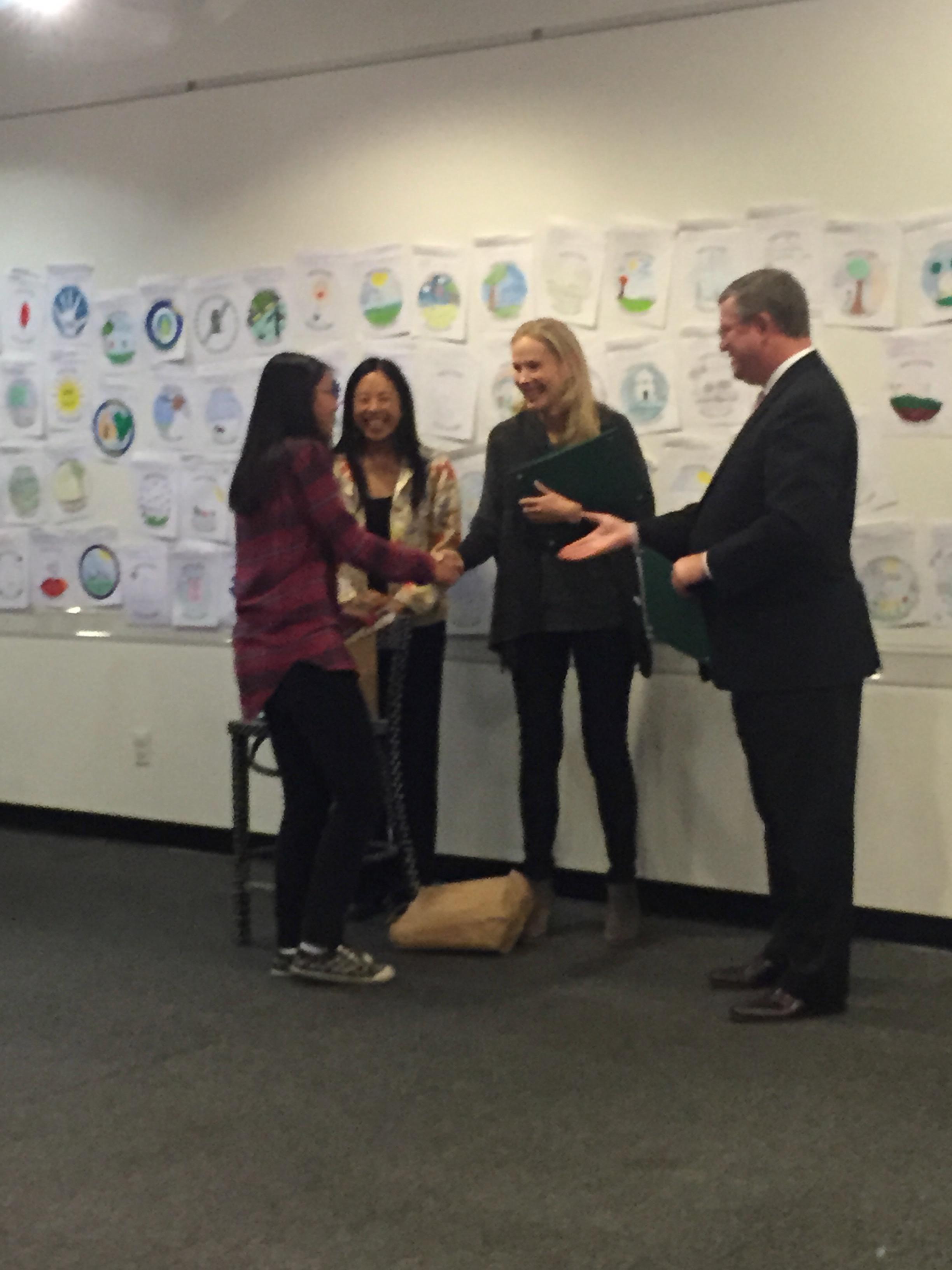 Charlotte Lee receives her award