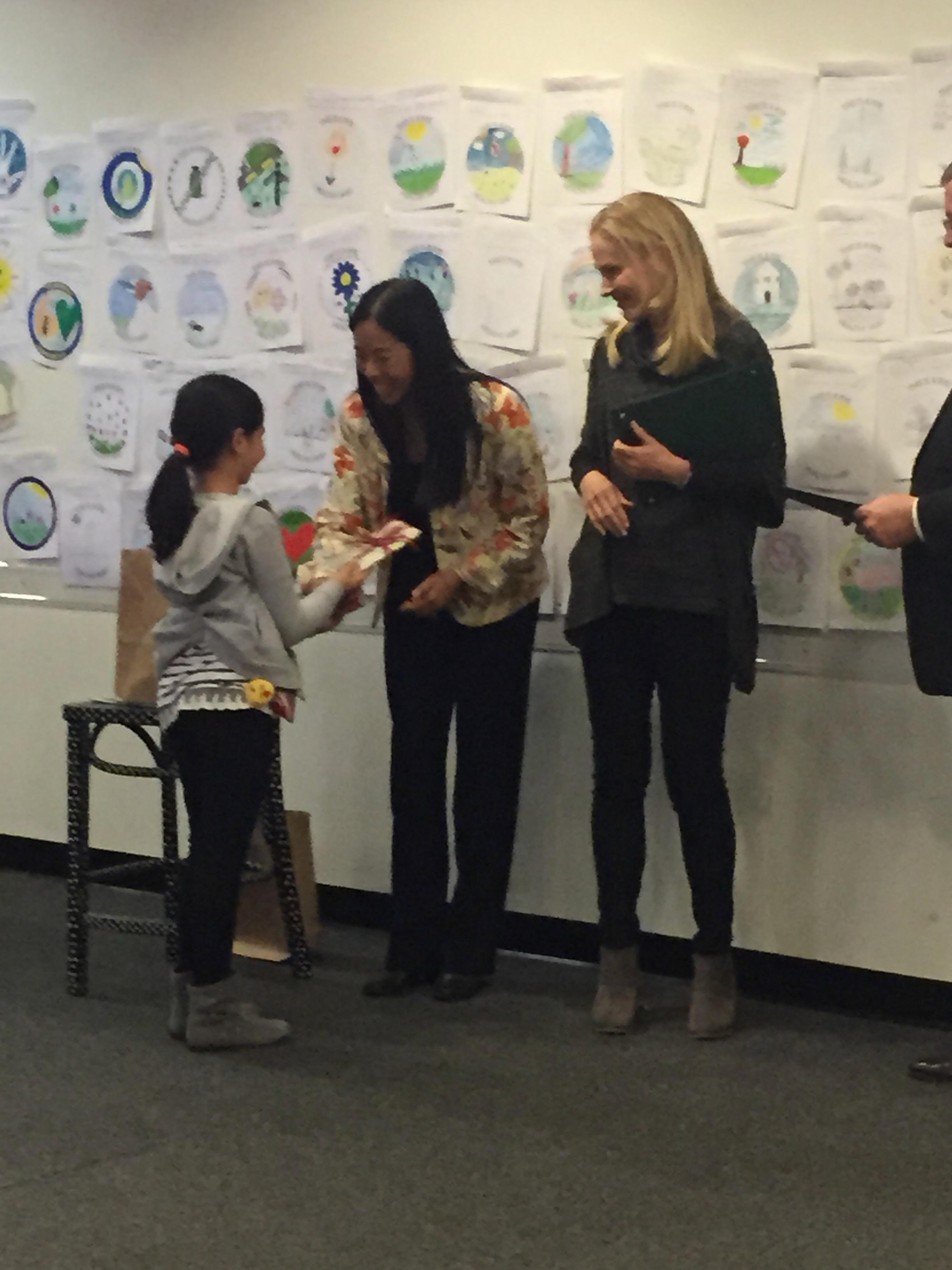 Julia Zanolin receives her award