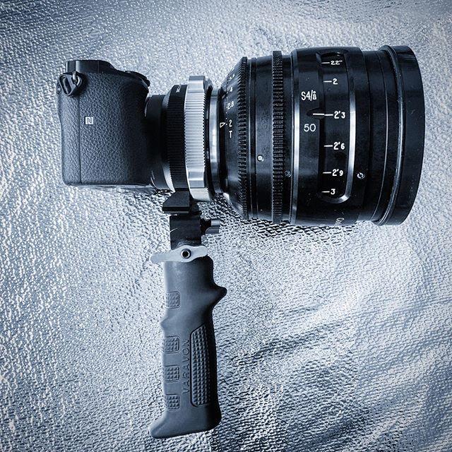New toy.... somewhat of a digi-finder.... #sonya6000 #metabones #cookes4 #cinematography #cameraoperator #directorofphotography #film