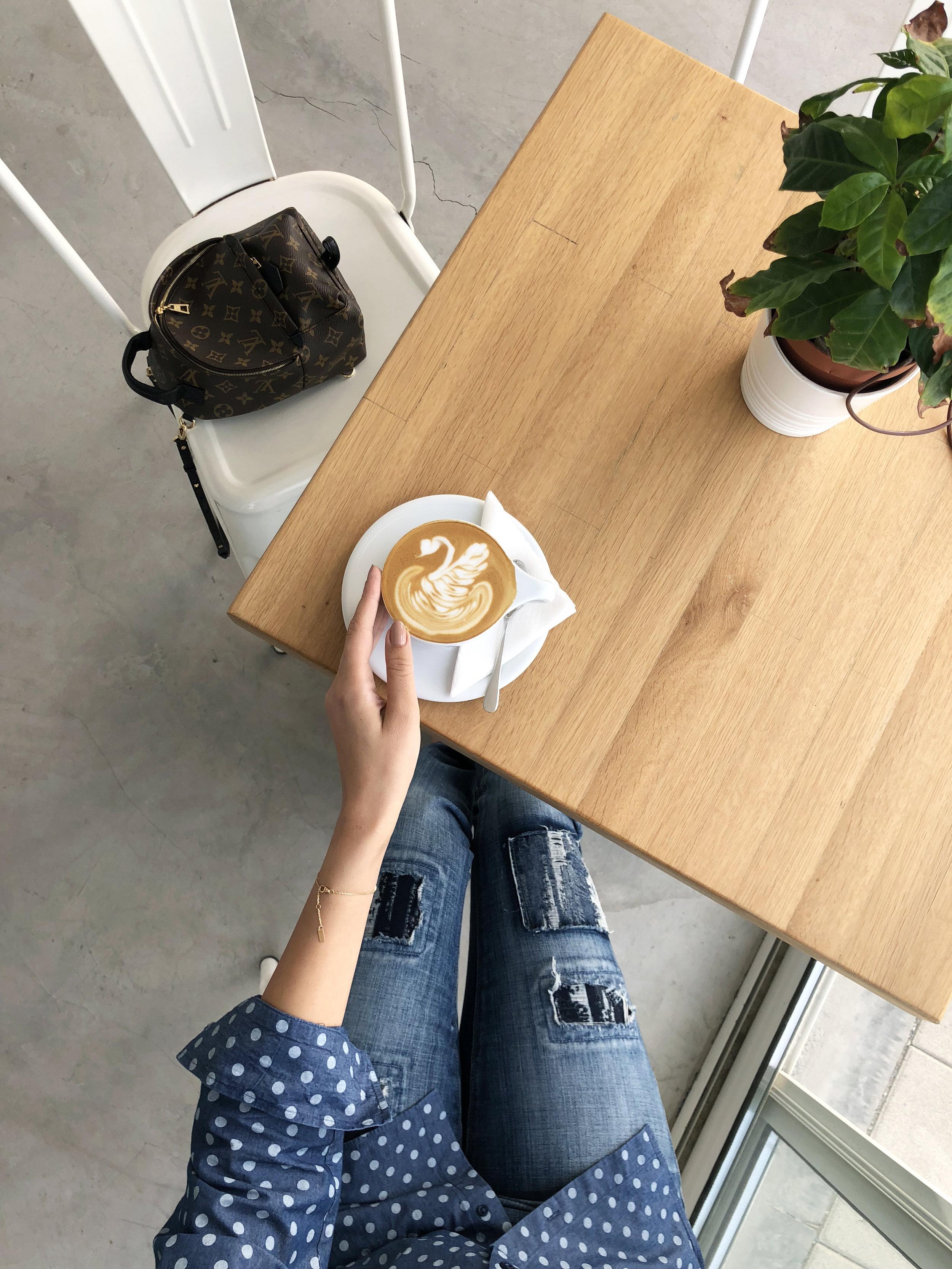 Coffee Lab I AED 22