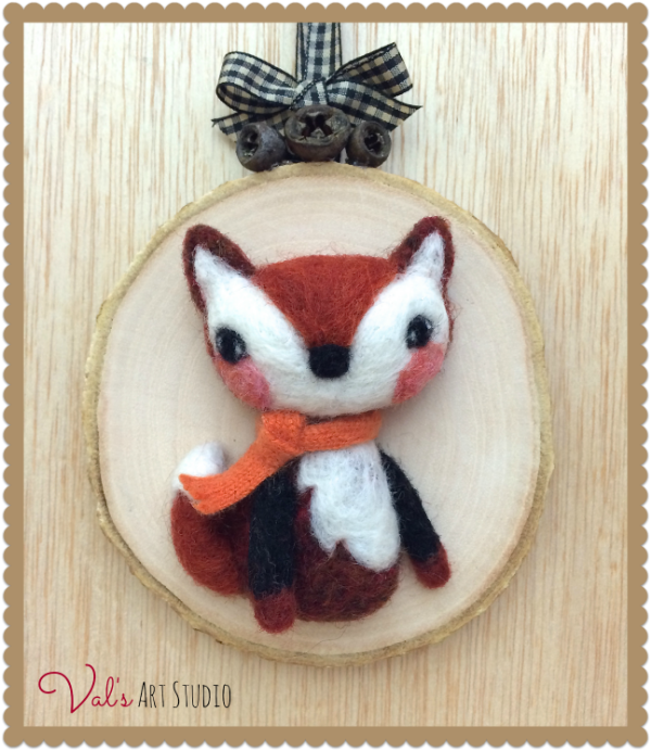 Fox on wood.png