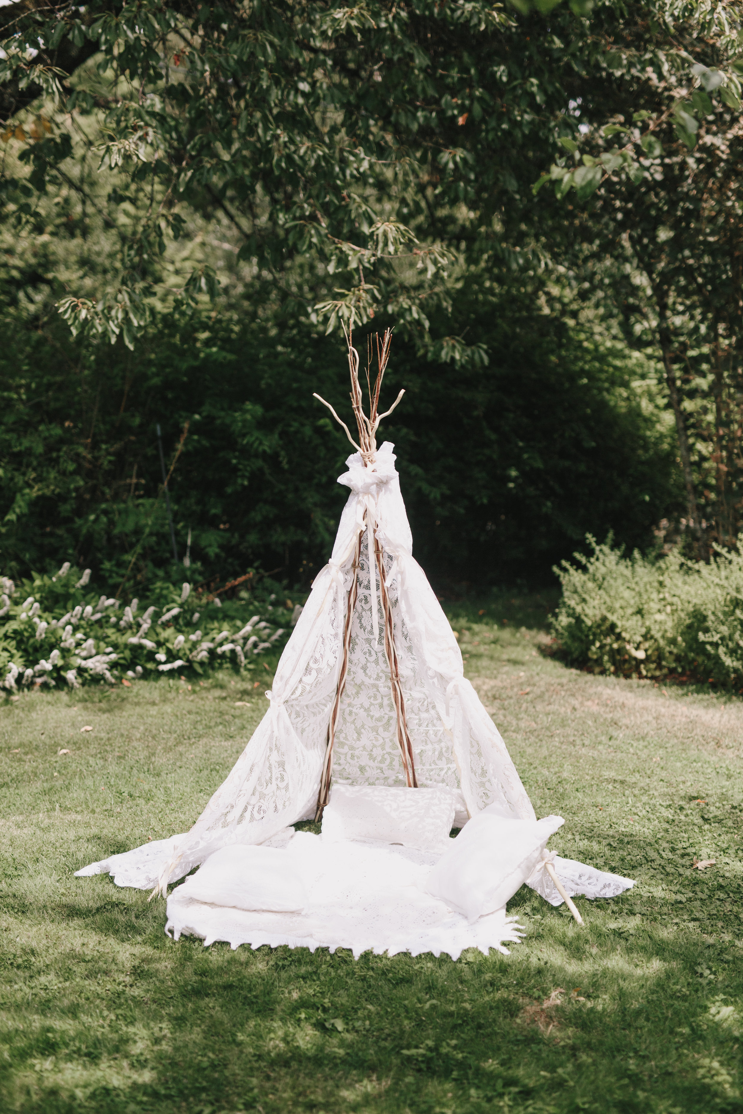 wedding teepee Starling Lane Wedding, Victoria BC Kelly Brown Photographer