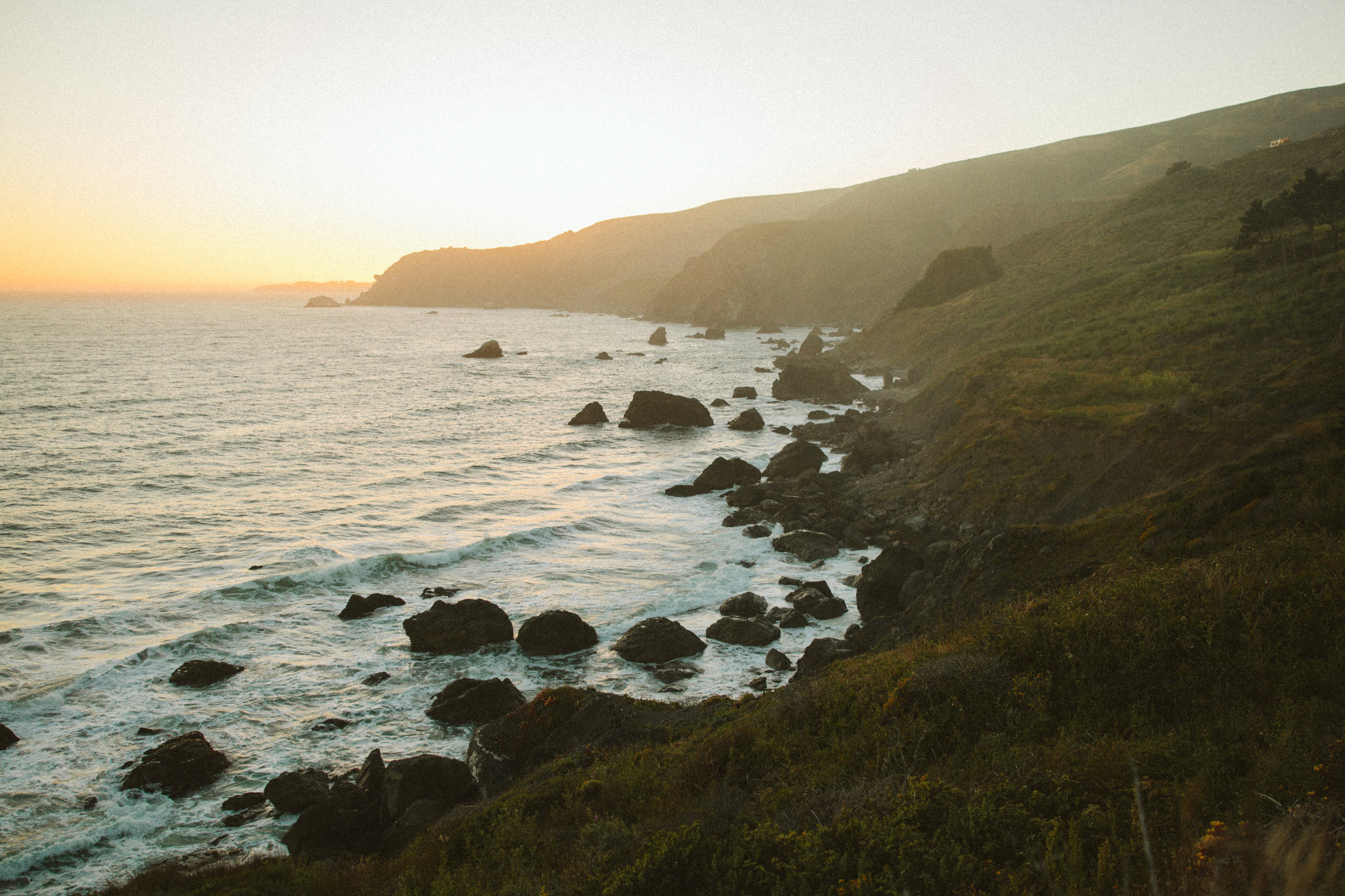 california coastline wedding at sunset
