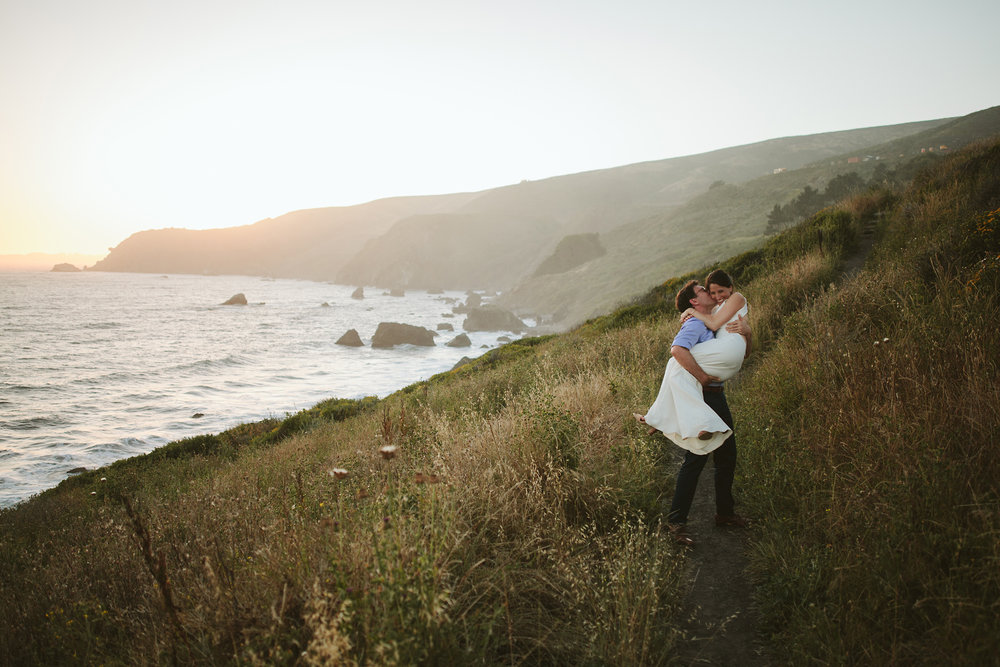 bride+and+groom+at+the+california+coastline,+slide+ranch+wedding.jpg