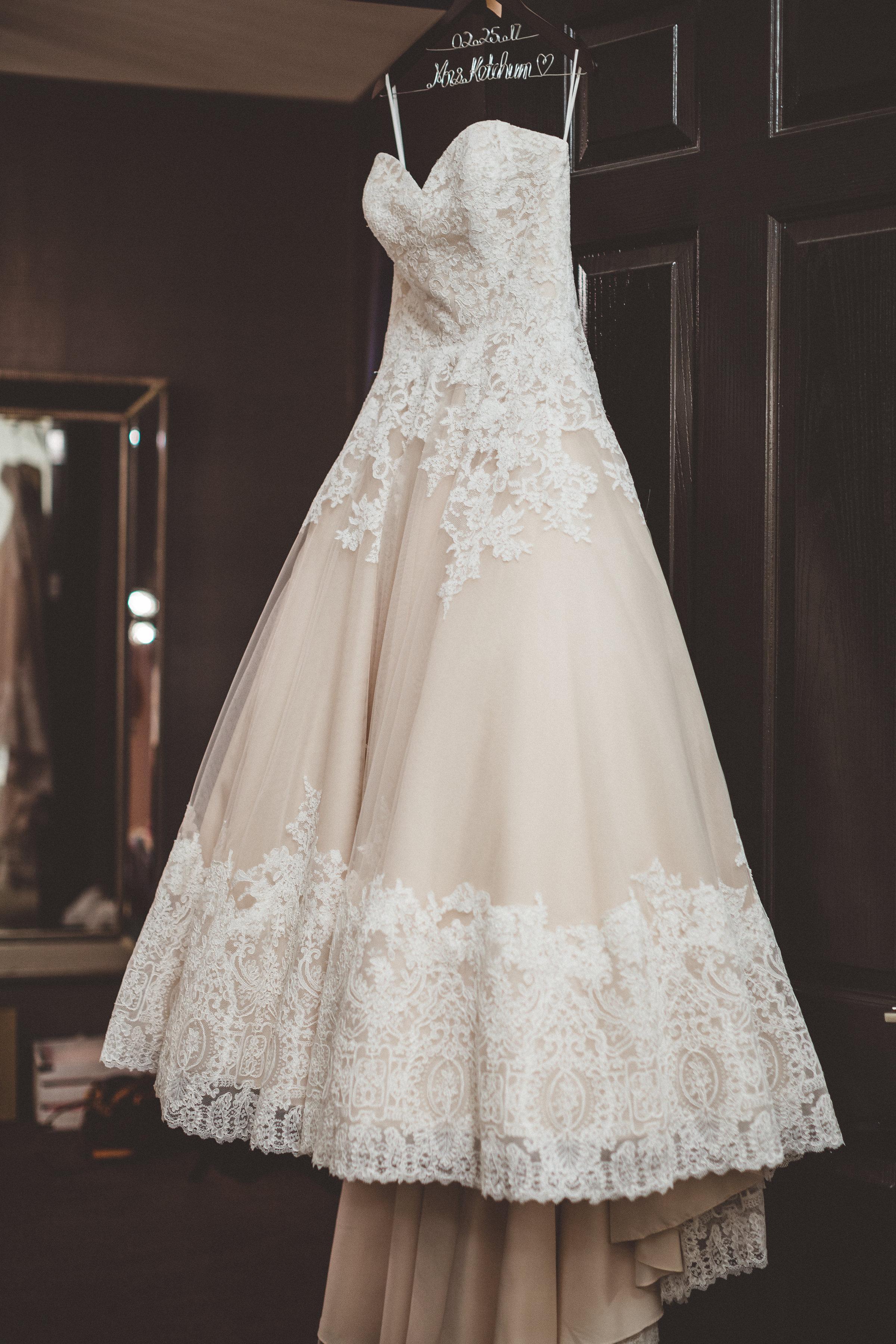 lindsey-and-ryan-intimate-winter-wedding1.jpg