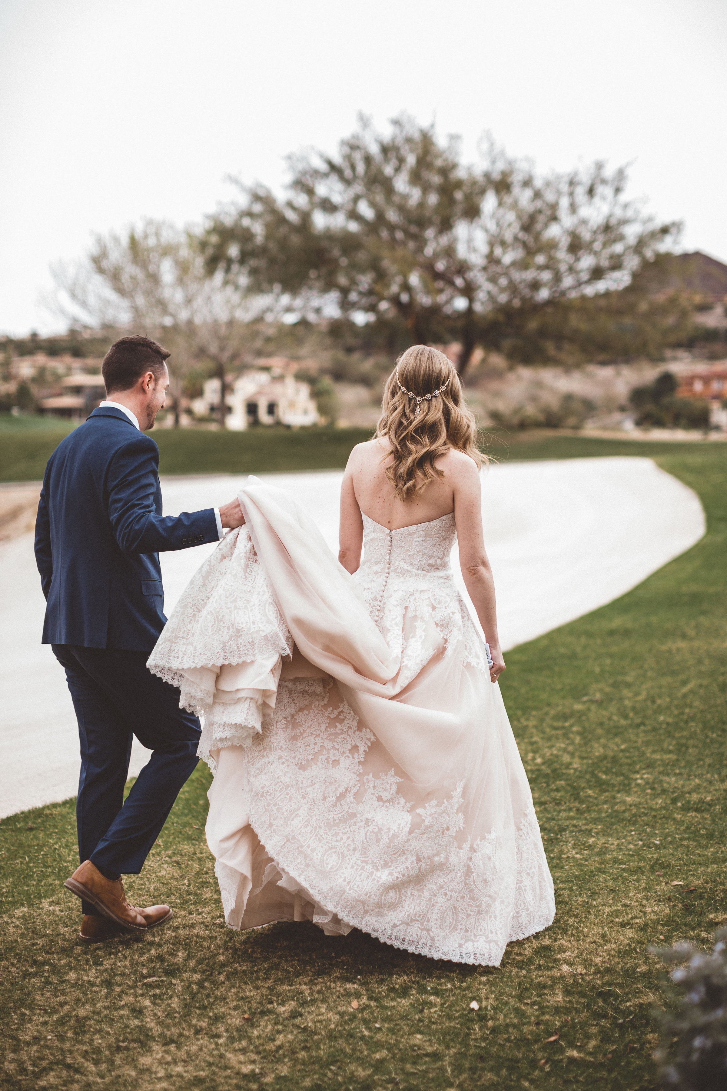 lindsey-and-ryan-intimate-winter-wedding16.jpg