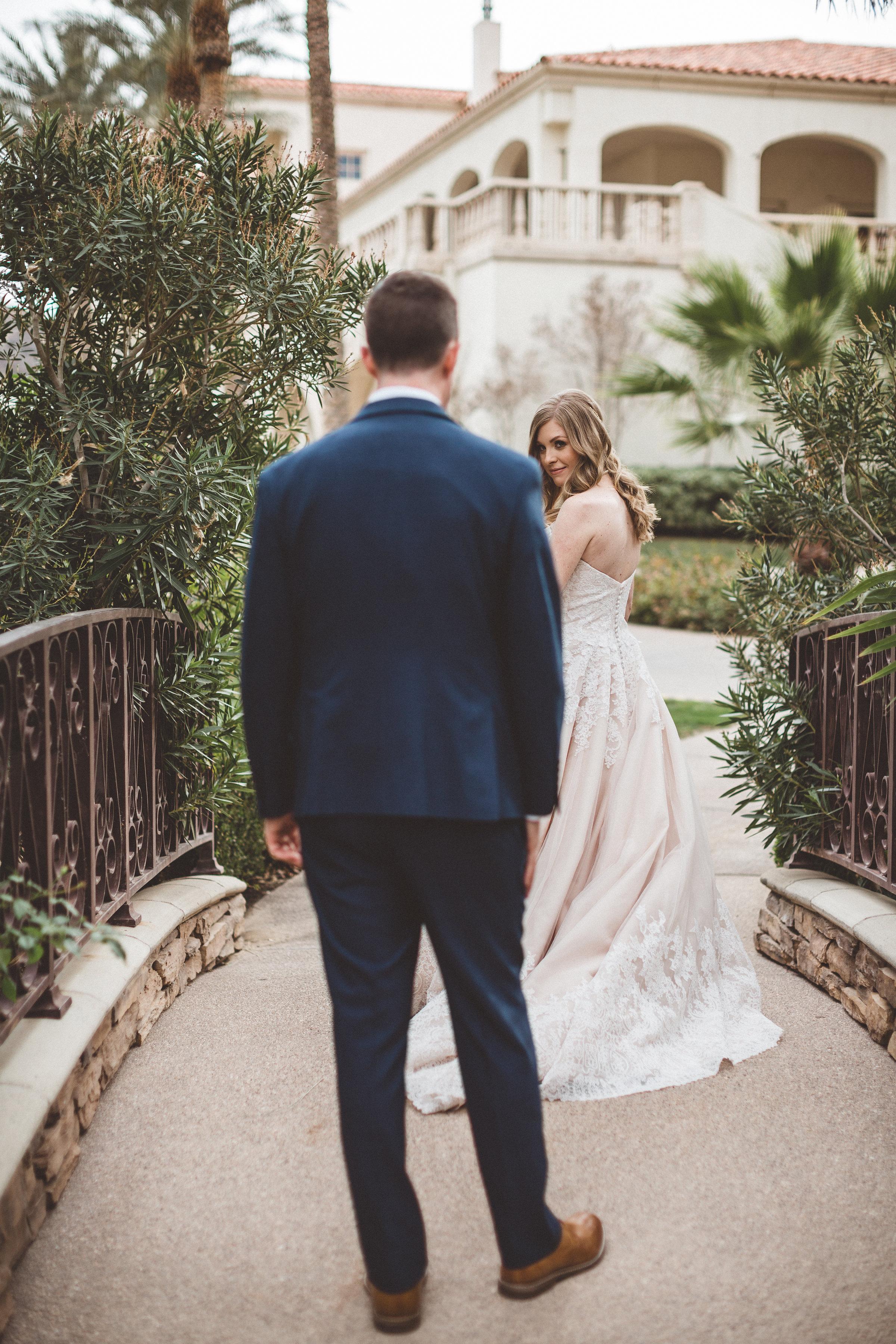 lindsey-and-ryan-intimate-winter-wedding15.jpg