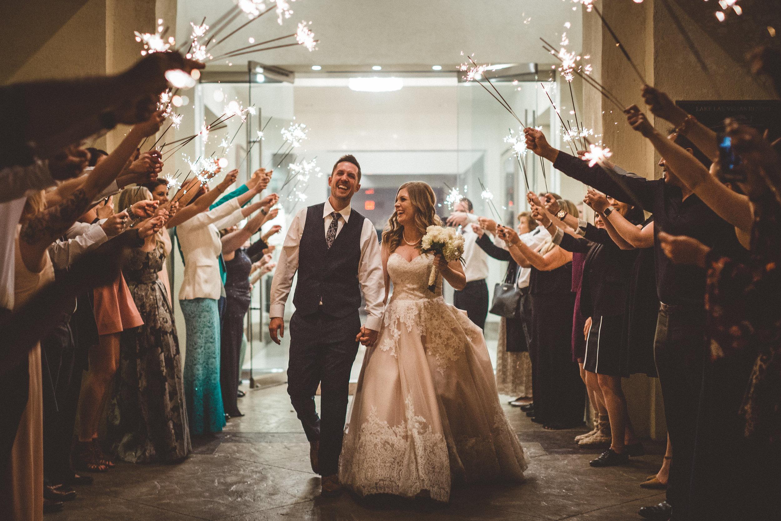 lindsey-and-ryan-intimate-winter-wedding44.jpg