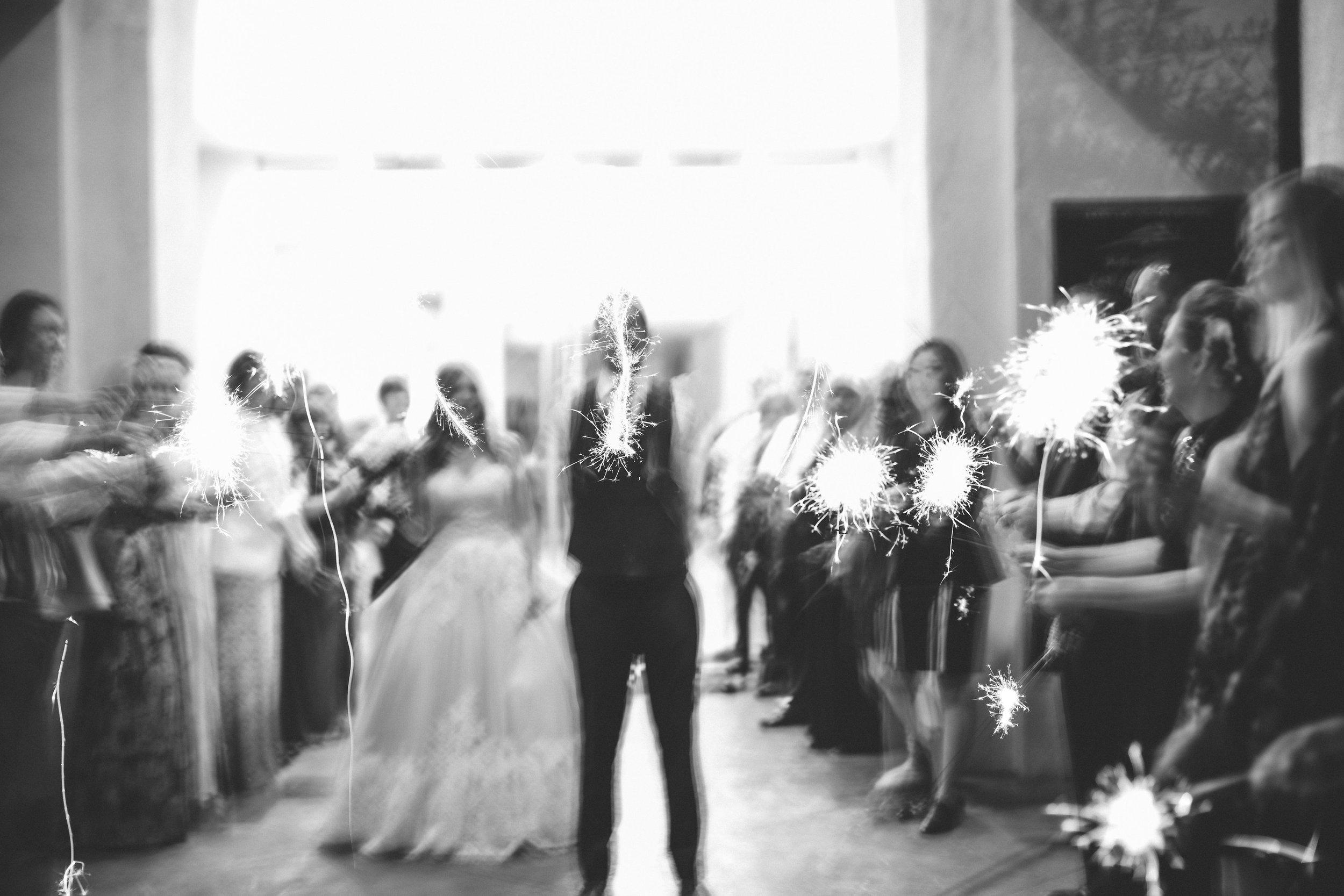 lindsey-and-ryan-intimate-winter-wedding46.jpg