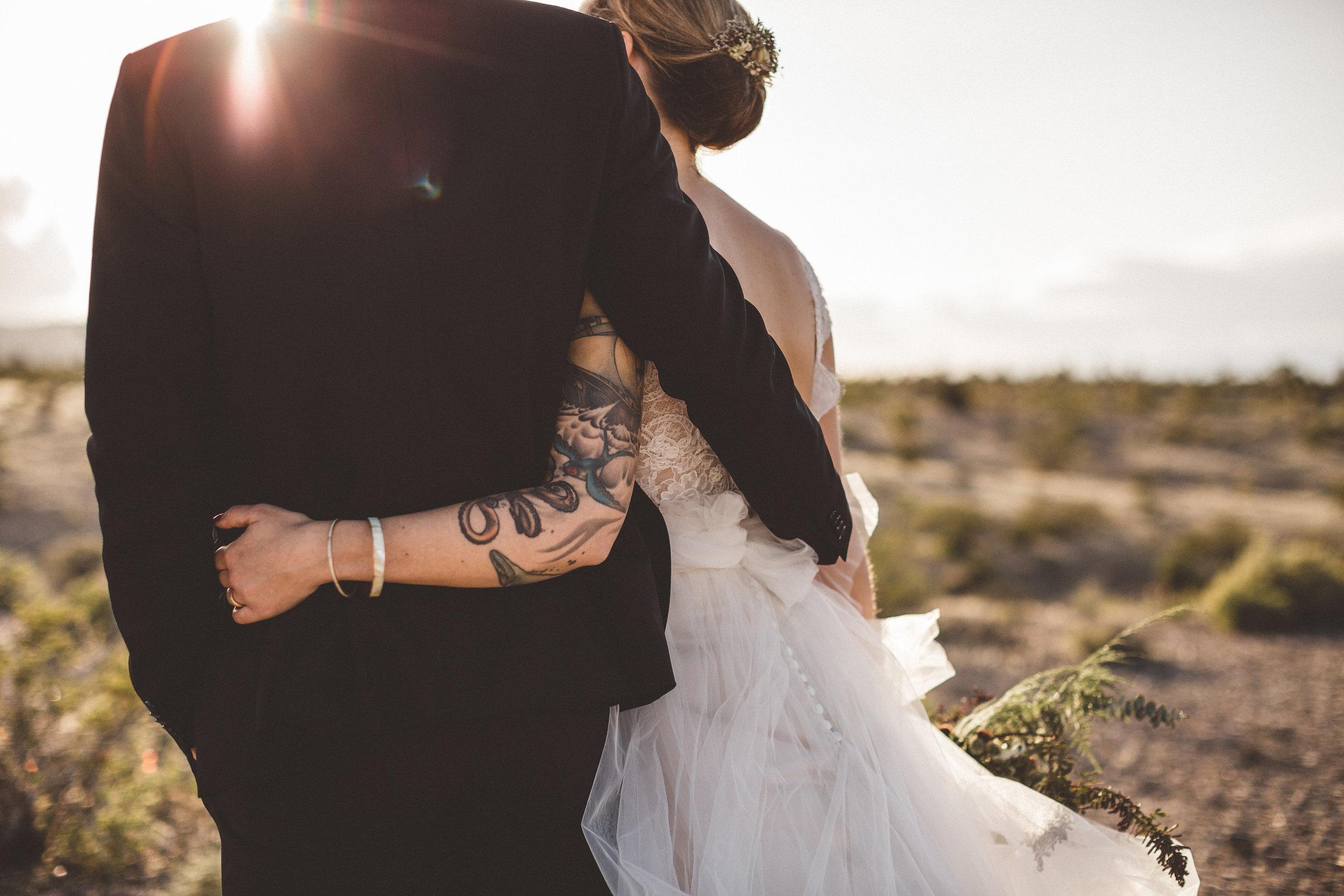 meike-and-rene-las-vegas-desert-elopement14.jpg