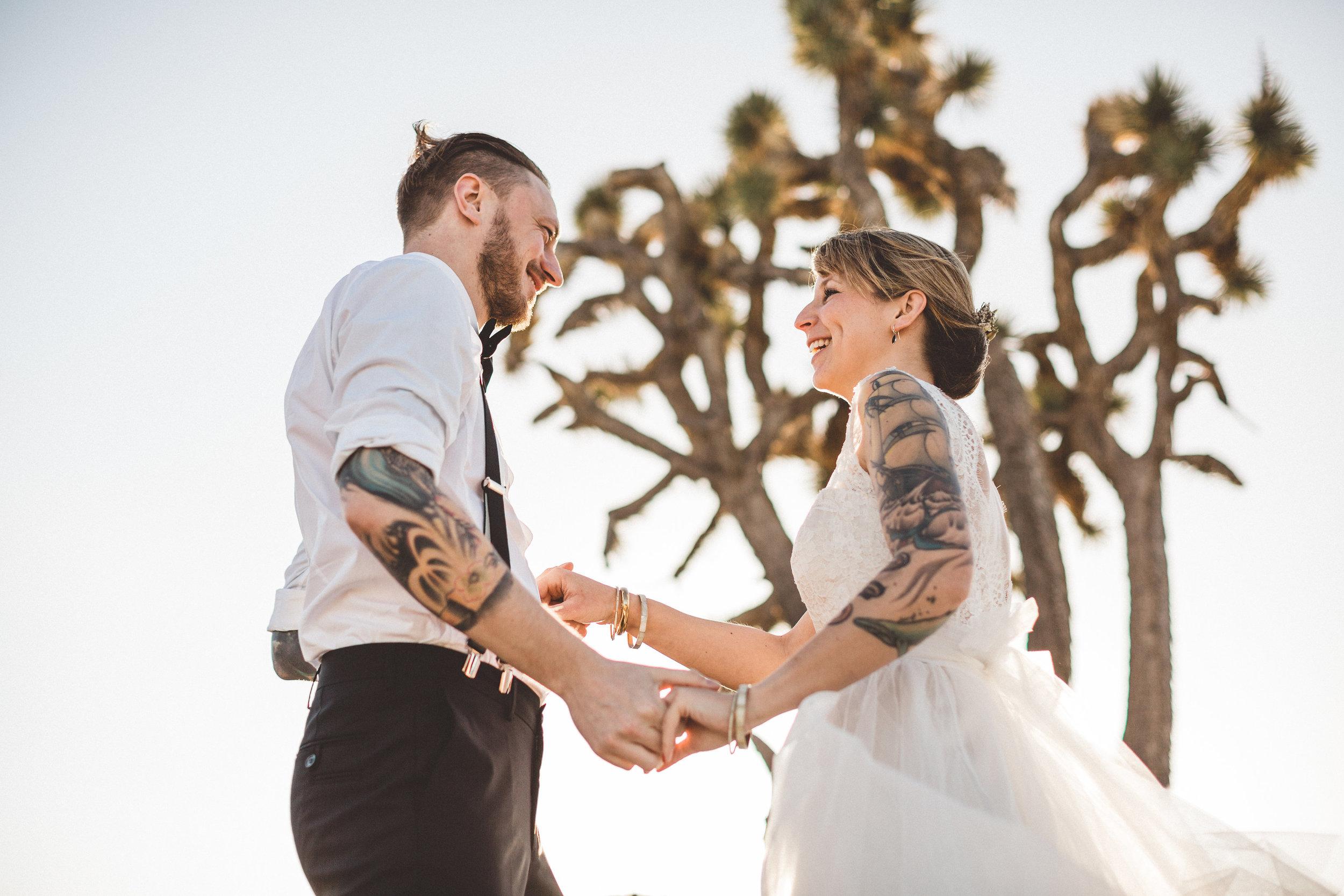 meike-and-rene-las-vegas-desert-elopement28.jpg