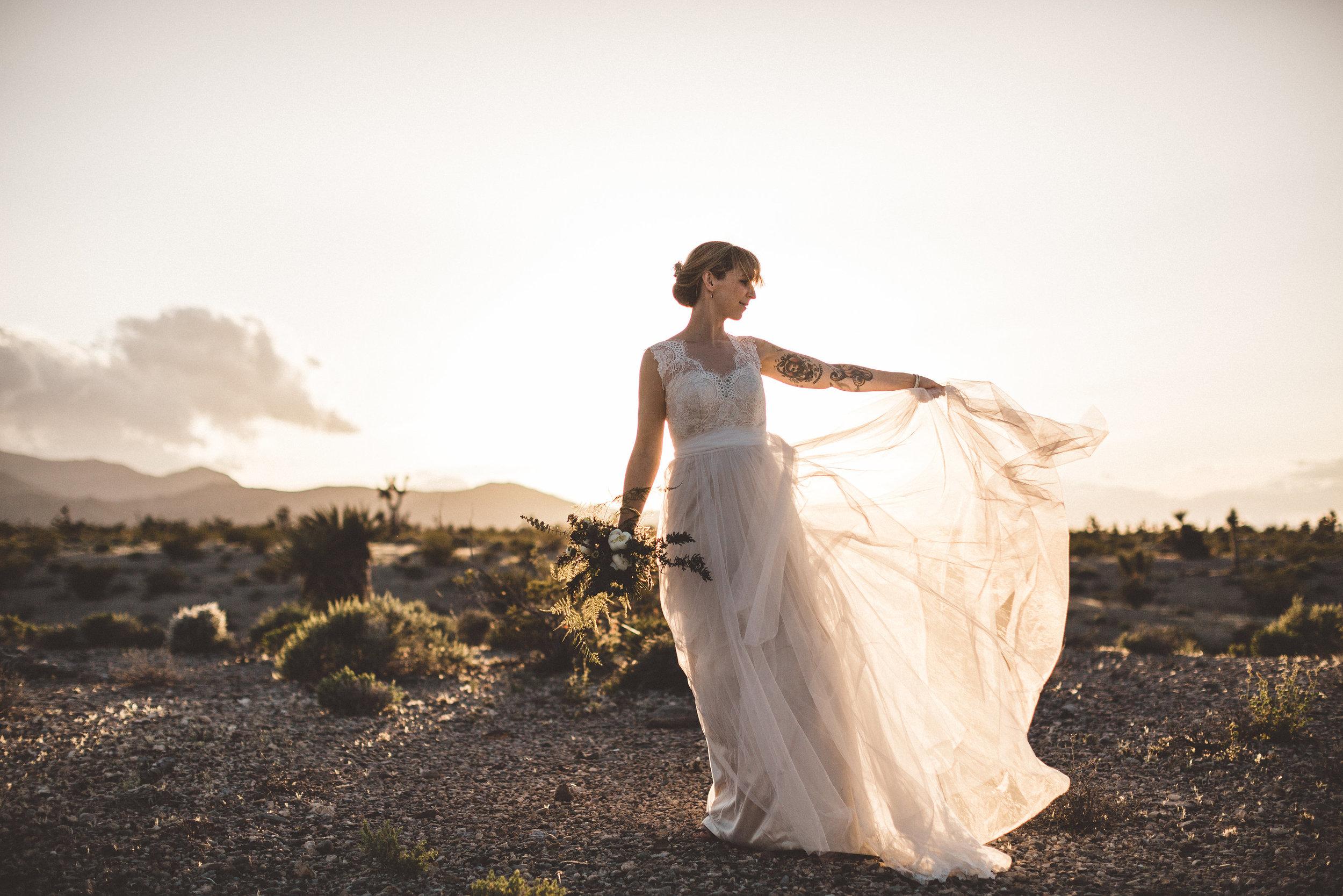 meike-and-rene-las-vegas-desert-elopement47.jpg