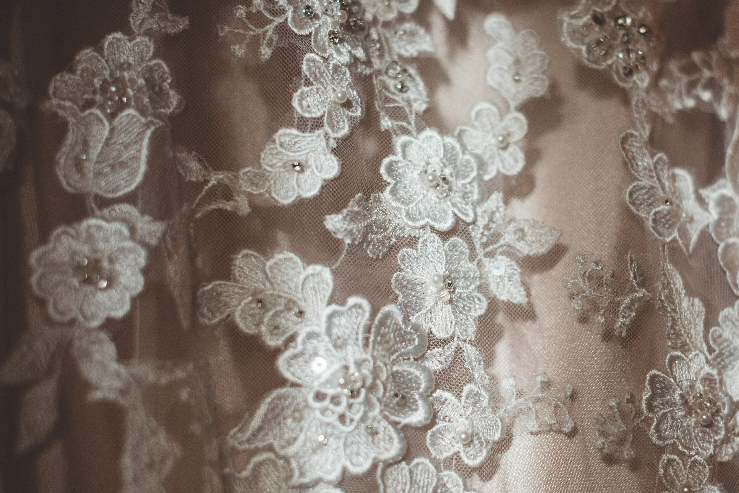jenna-and-erics-romantic-sedona-wedding2.jpg