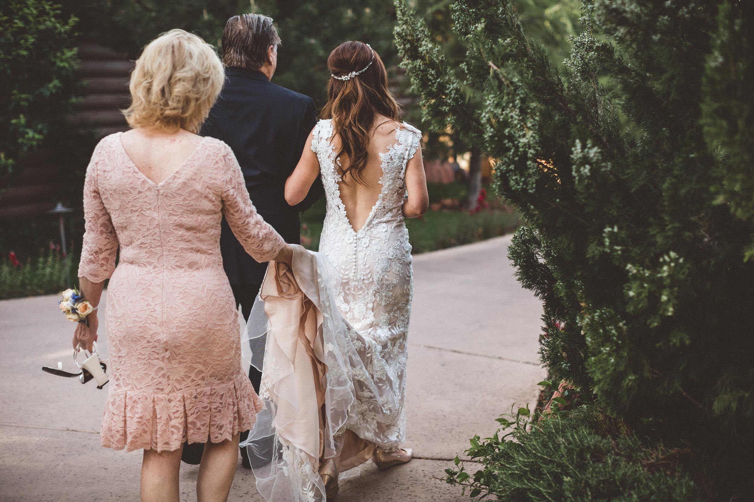jenna-and-erics-romantic-sedona-wedding10.jpg