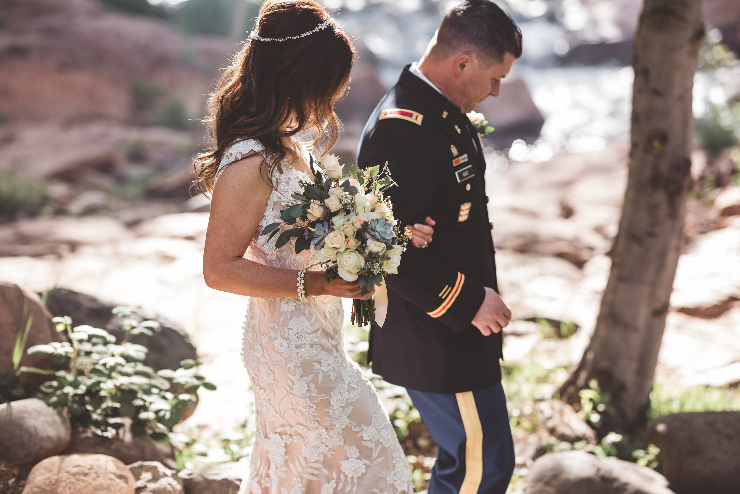 jenna-and-erics-romantic-sedona-wedding24.jpg