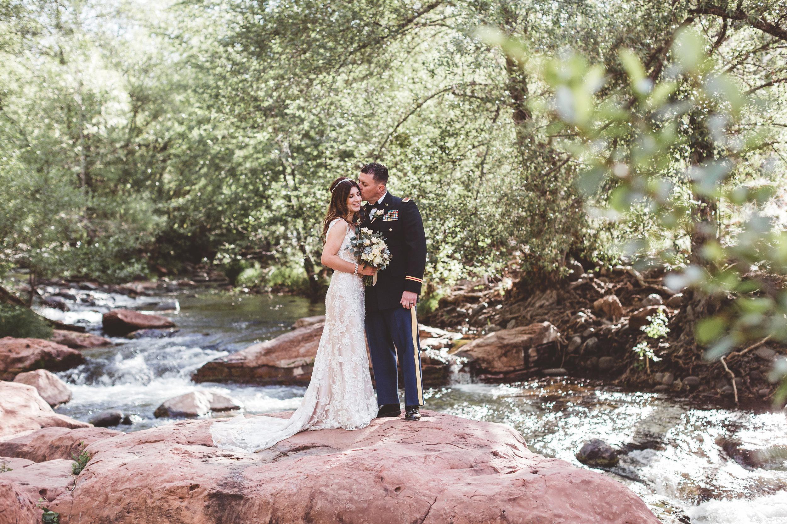 jenna-and-erics-romantic-sedona-wedding27.jpg