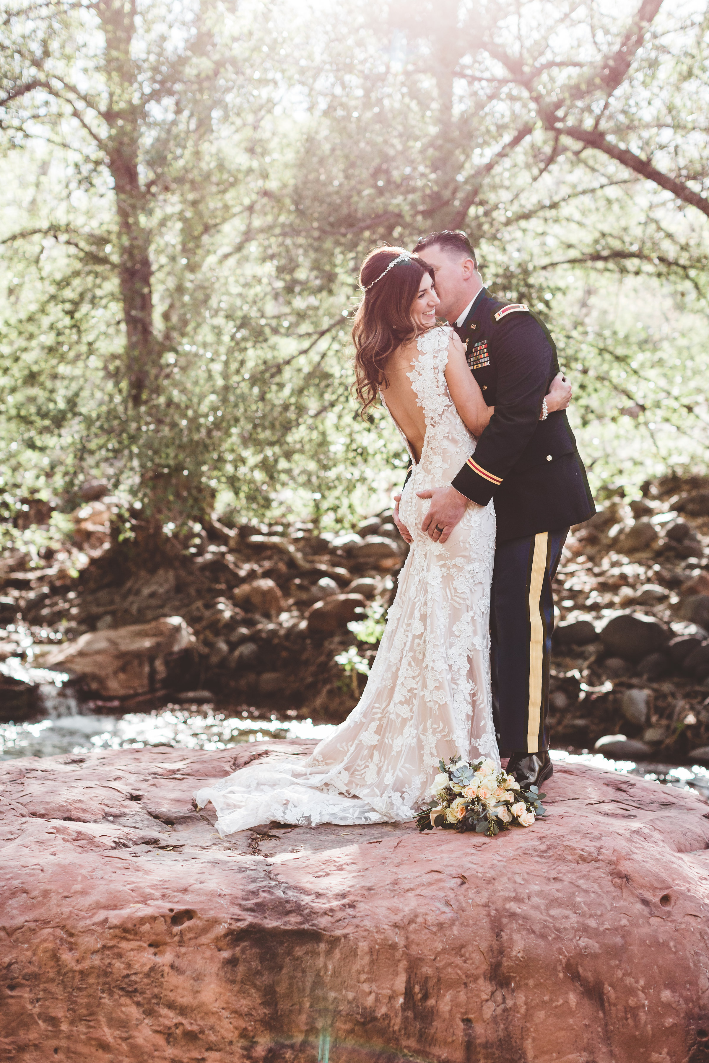 jenna-and-erics-romantic-sedona-wedding30.jpg