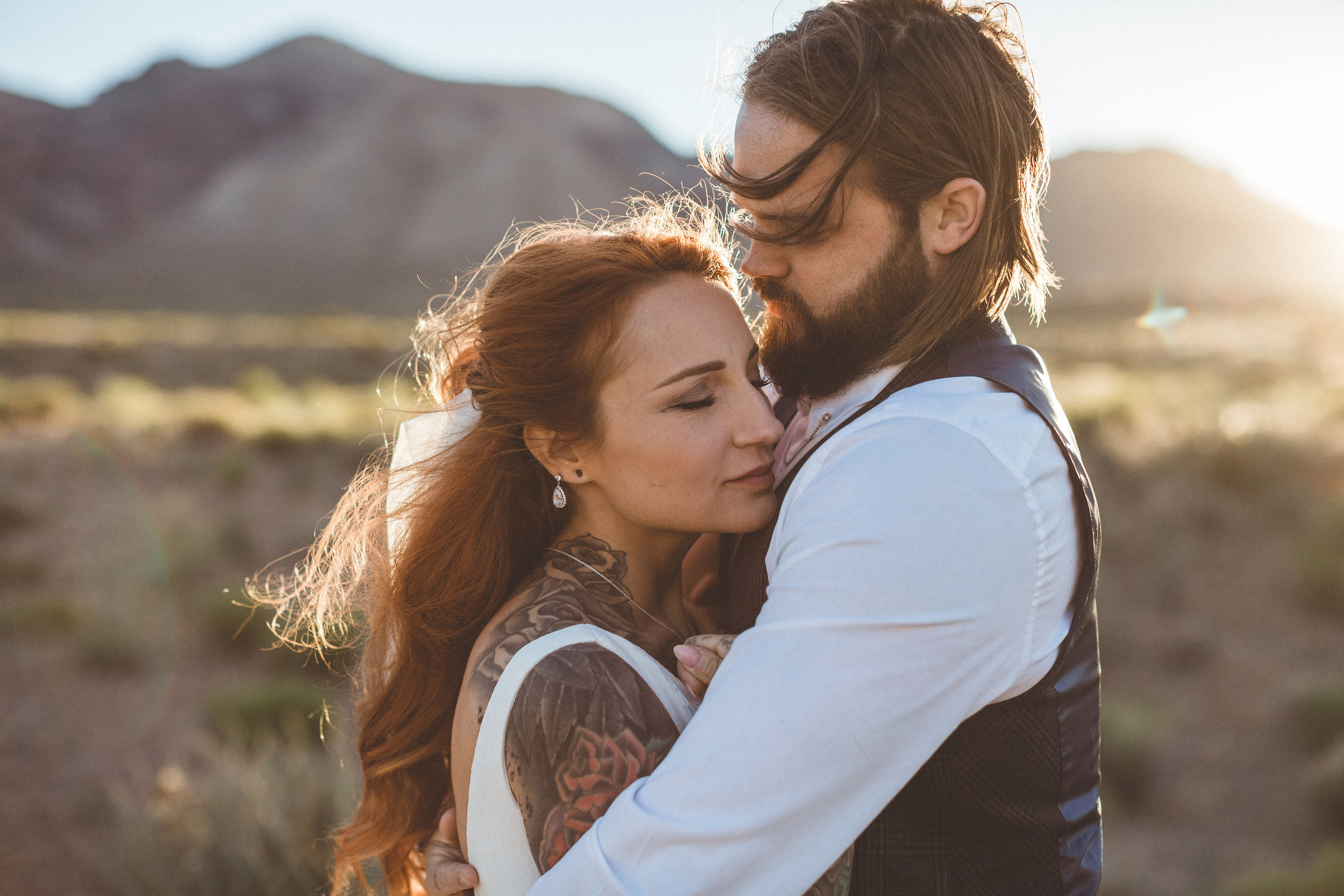 nicoletta-and-adams-rad-las-vegas-desert-elopement15.jpg