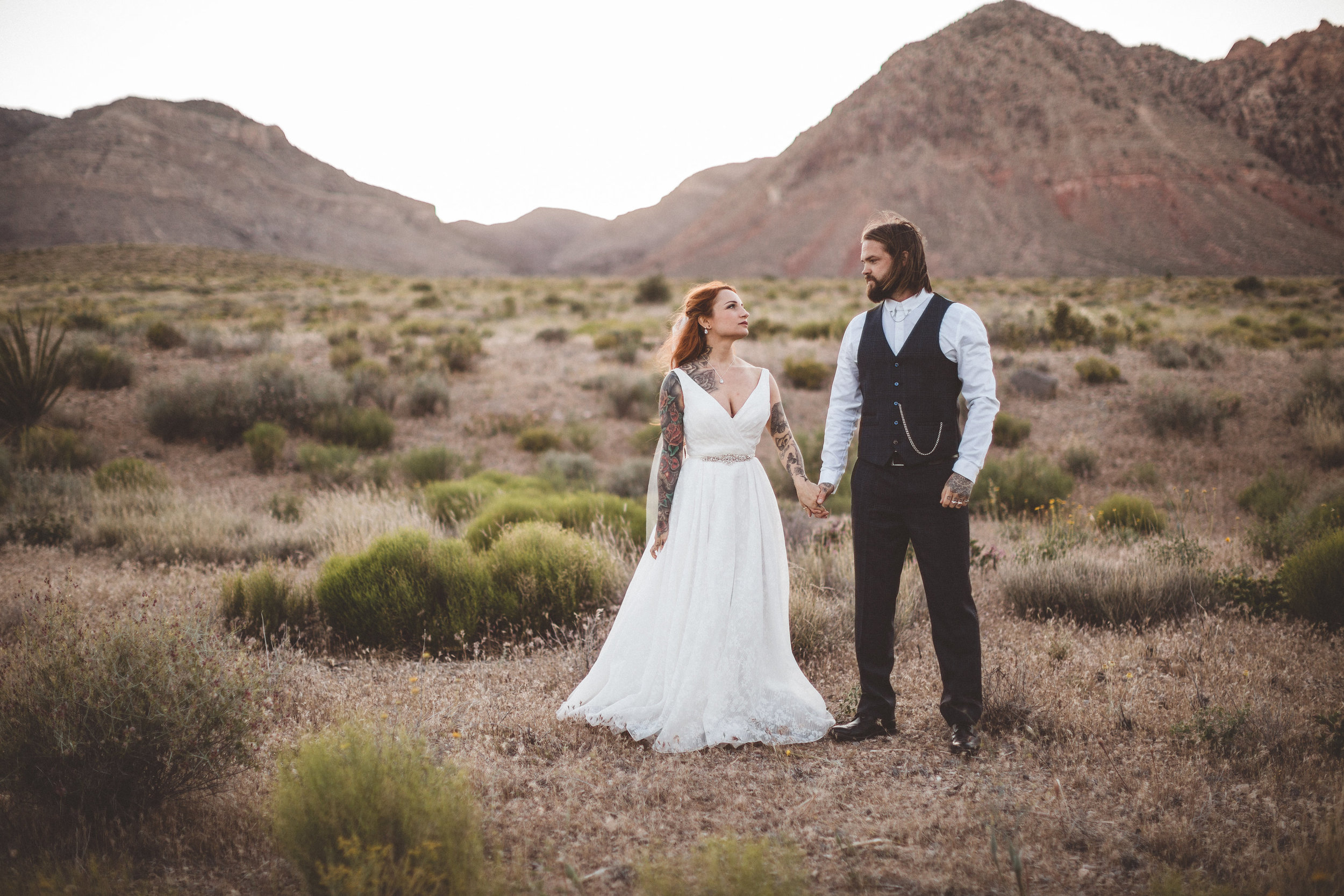 nicoletta-and-adams-rad-las-vegas-desert-elopement31.jpg