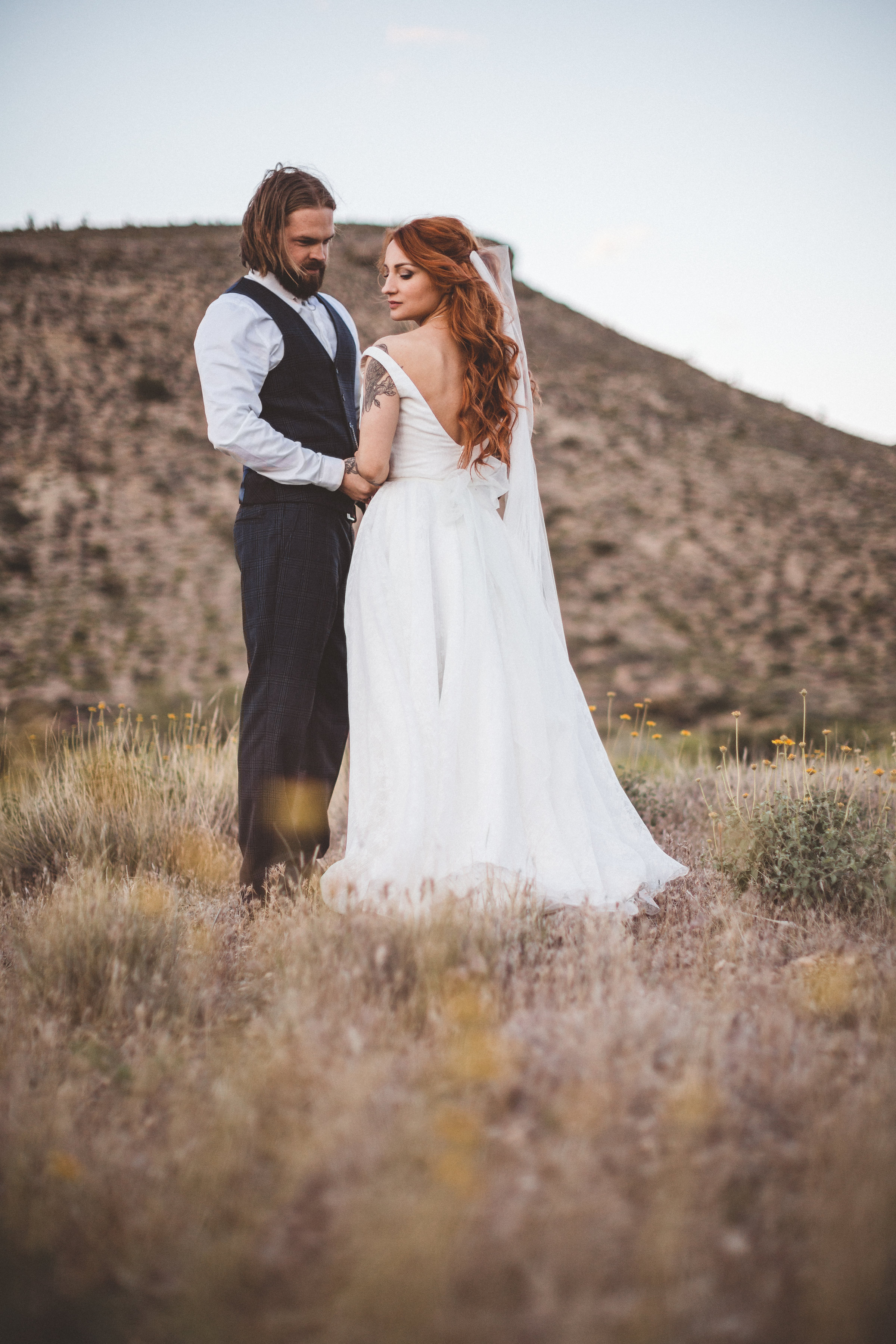 nicoletta-and-adams-rad-las-vegas-desert-elopement36.jpg