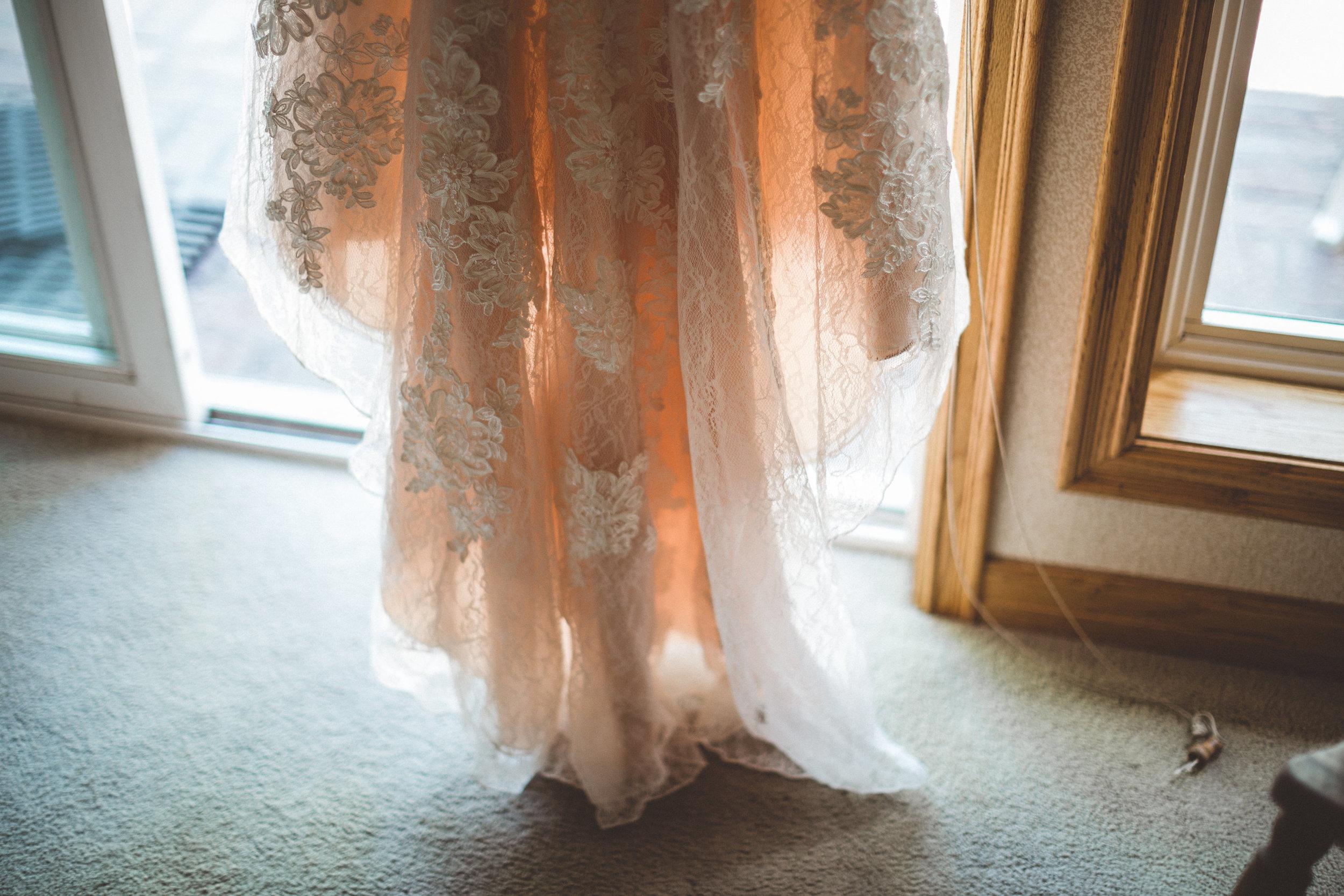 jill-and-alexs-intimates-big-bear-wedding2.jpg