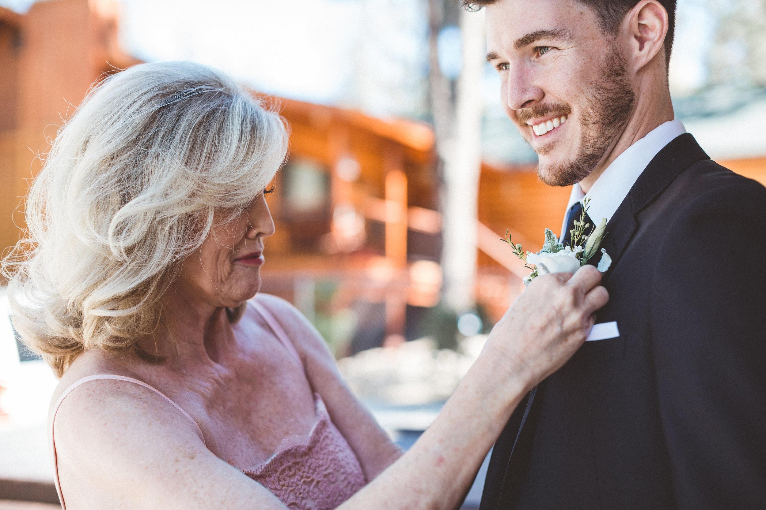 jill-and-alexs-intimates-big-bear-wedding14.jpg