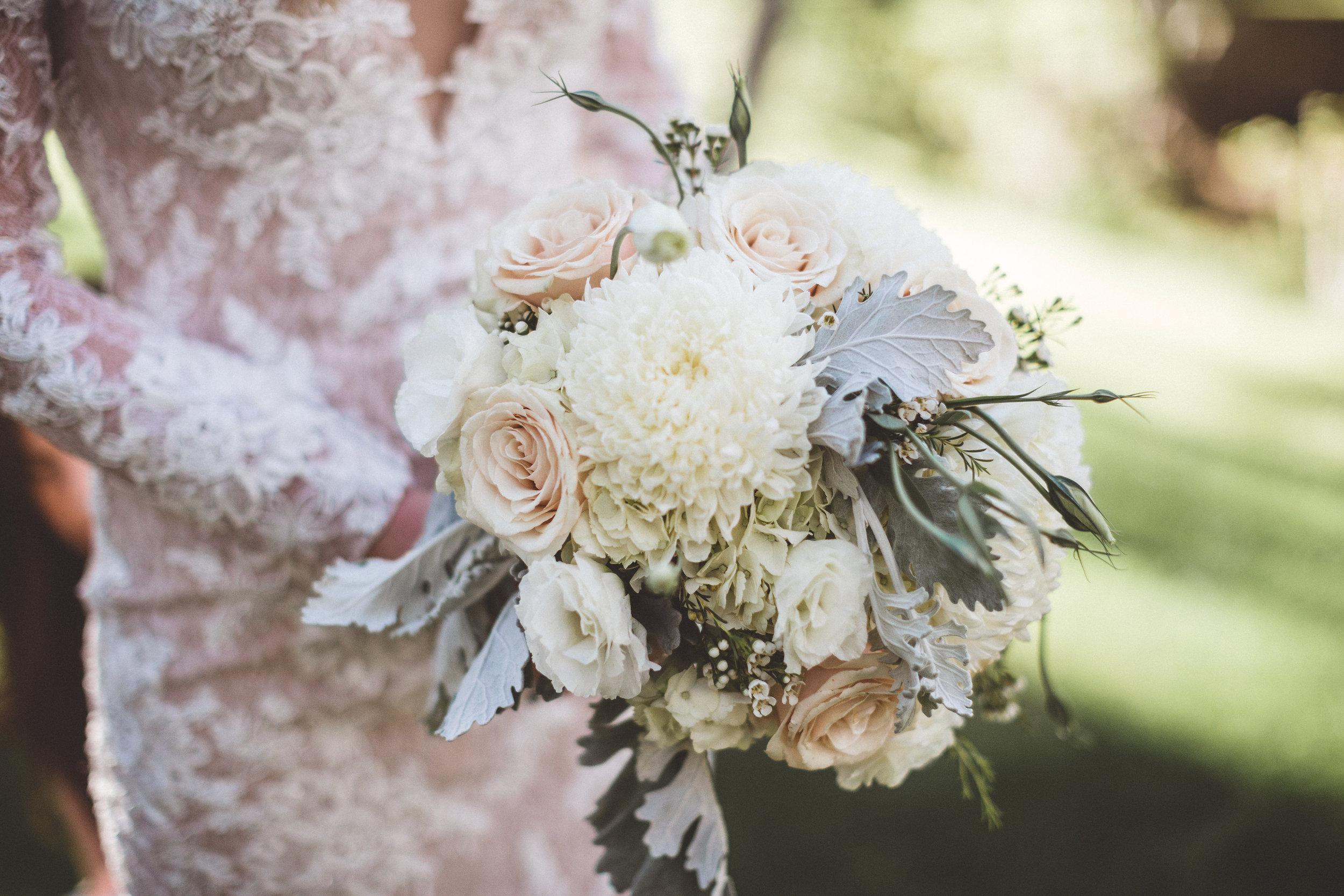 jill-and-alexs-intimates-big-bear-wedding36.jpg