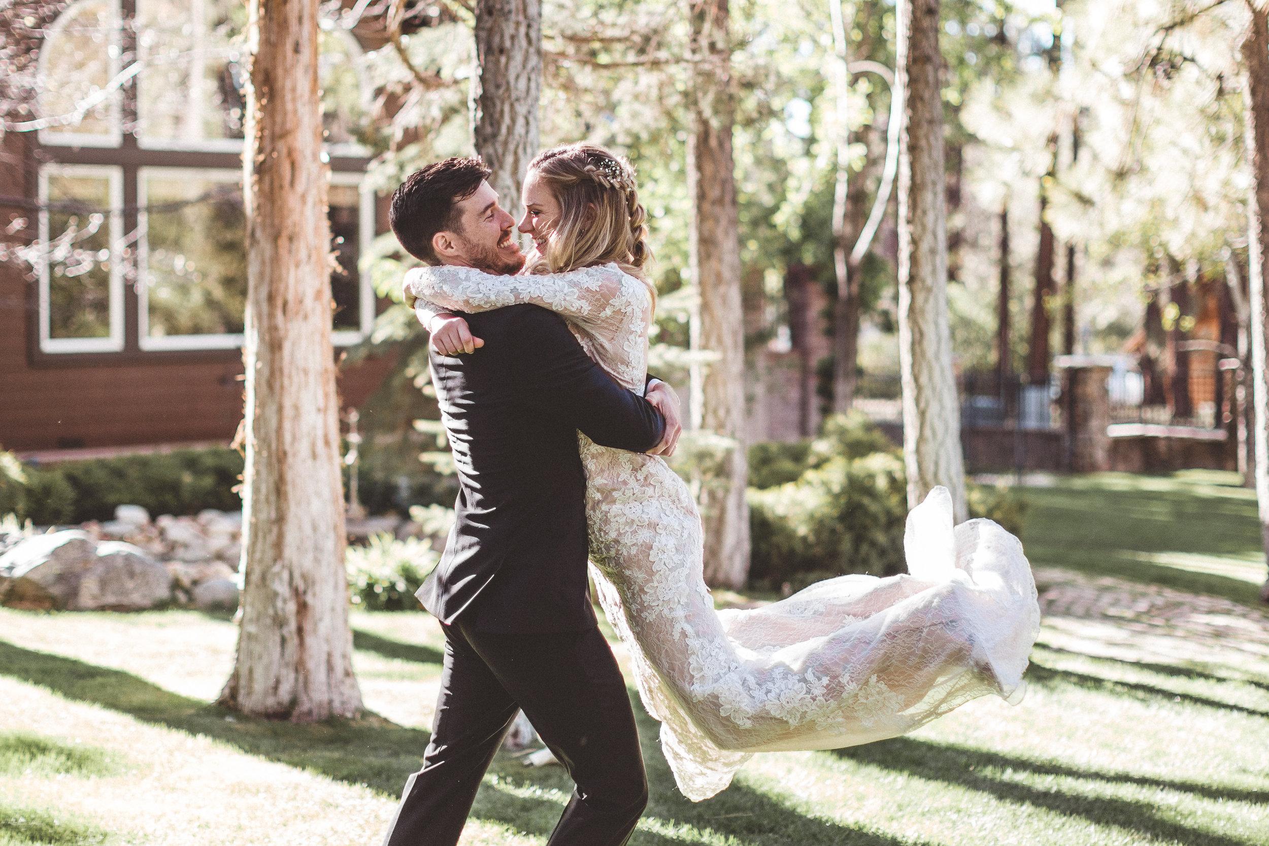 jill-and-alexs-intimates-big-bear-wedding35.jpg