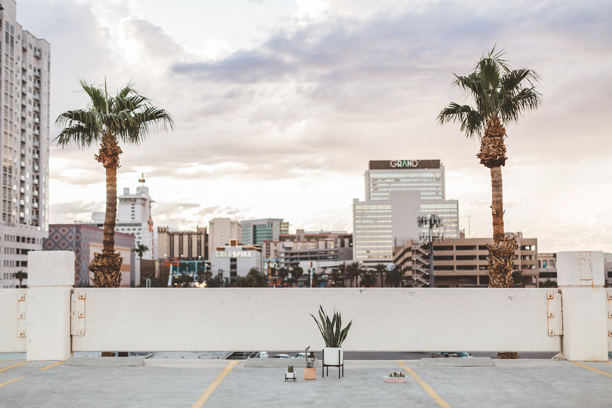 004A6029-downtown-las-vegas-rooftop-elopement.jpg