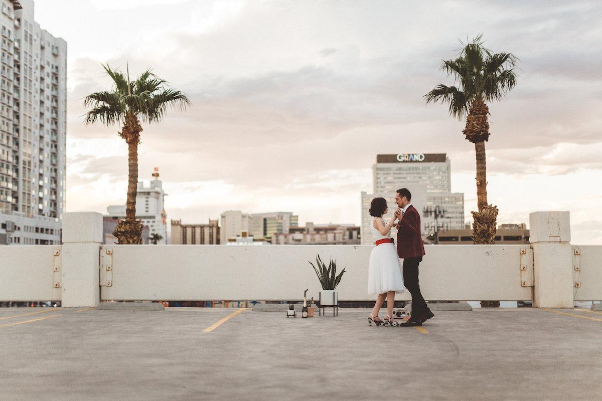 004A6176-downtown-las-vegas-rooftop-elopement.jpg