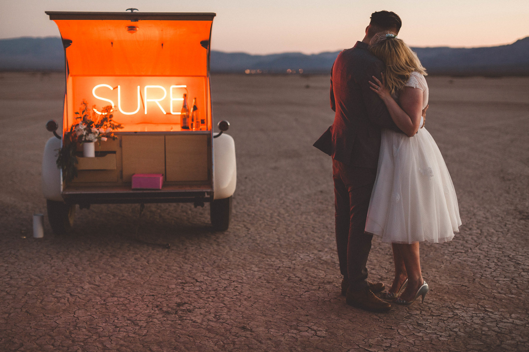 dry lake bed elopement12.jpg