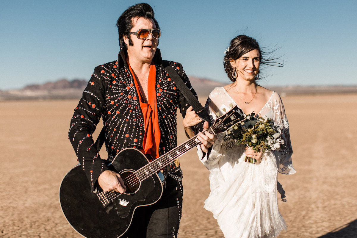 the desert elvis elopement6.jpg
