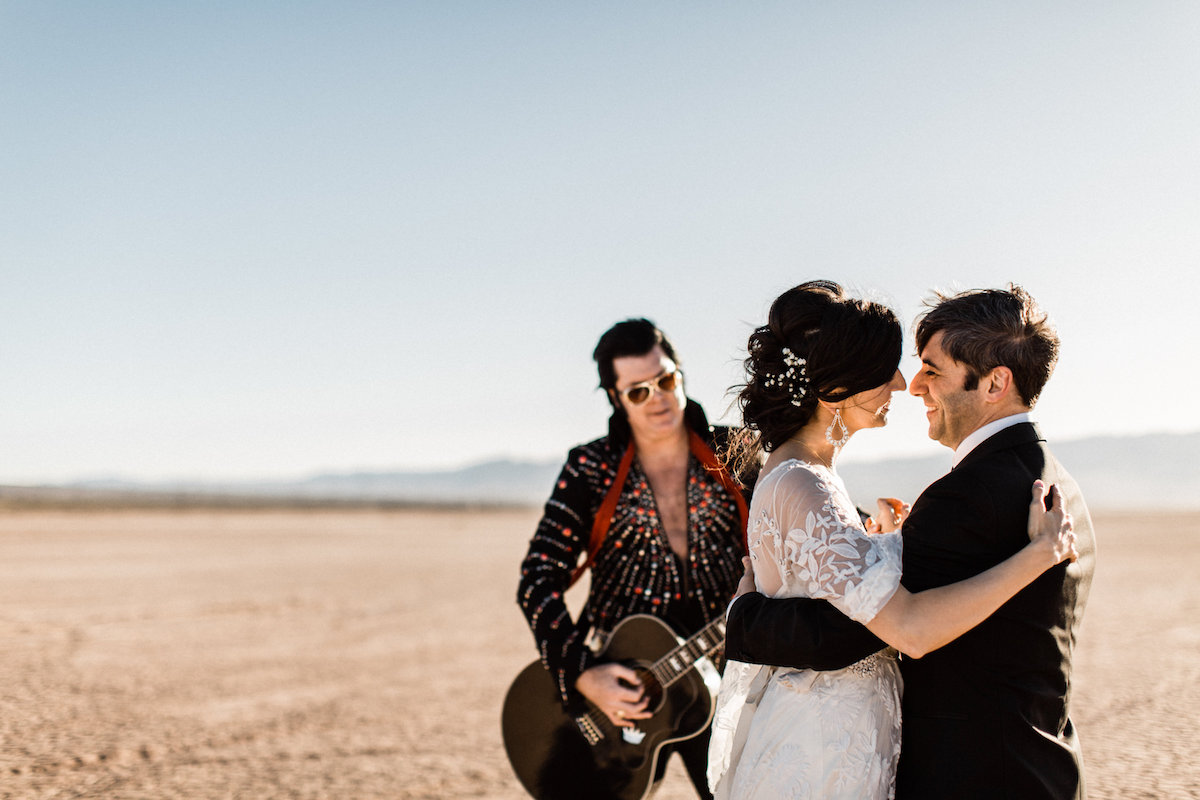 the desert elvis elopement33.jpg