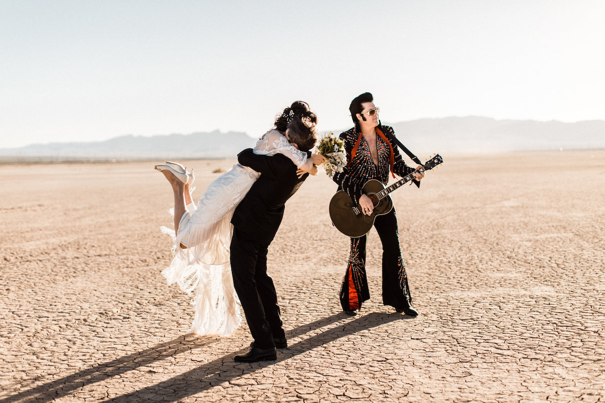 the desert elvis elopement37.jpg