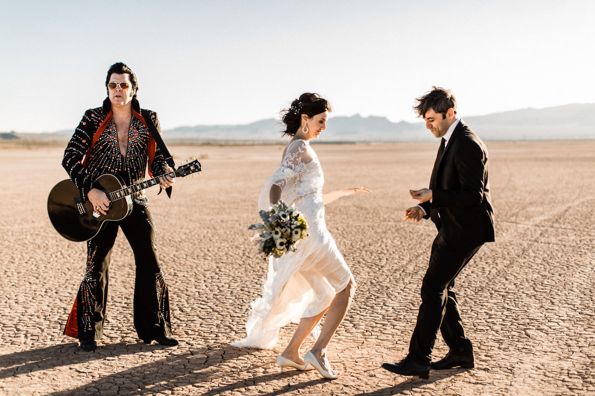 the desert elvis elopement46.jpg