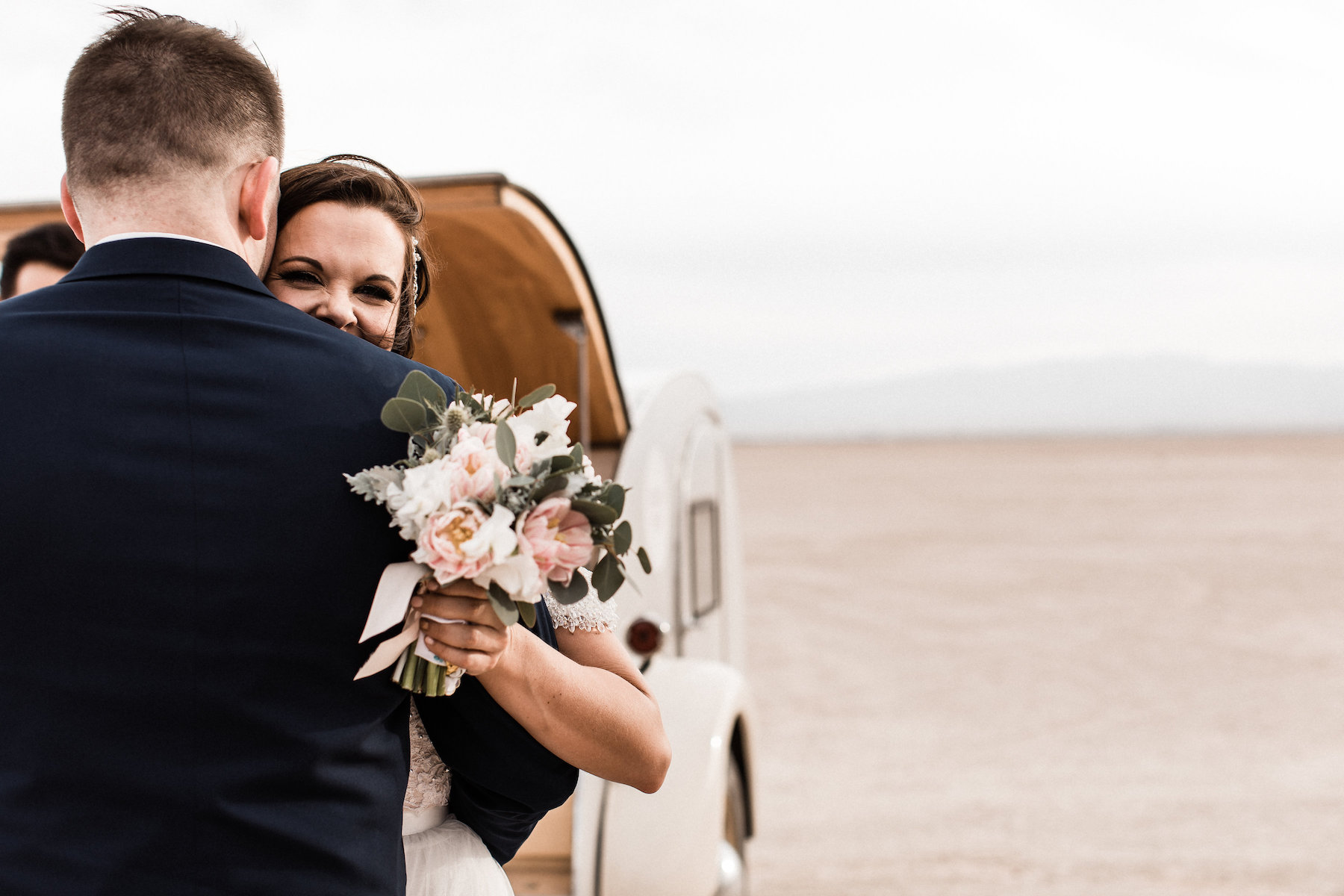 las vegas dry lake bed florapop wedding00009.jpg