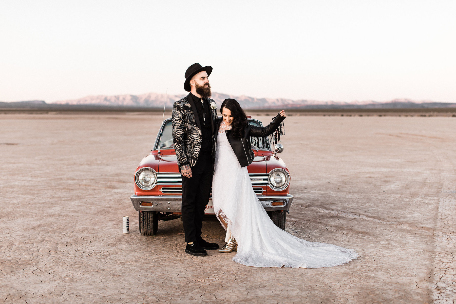 las vegas dry lake bed elopement00043.jpg