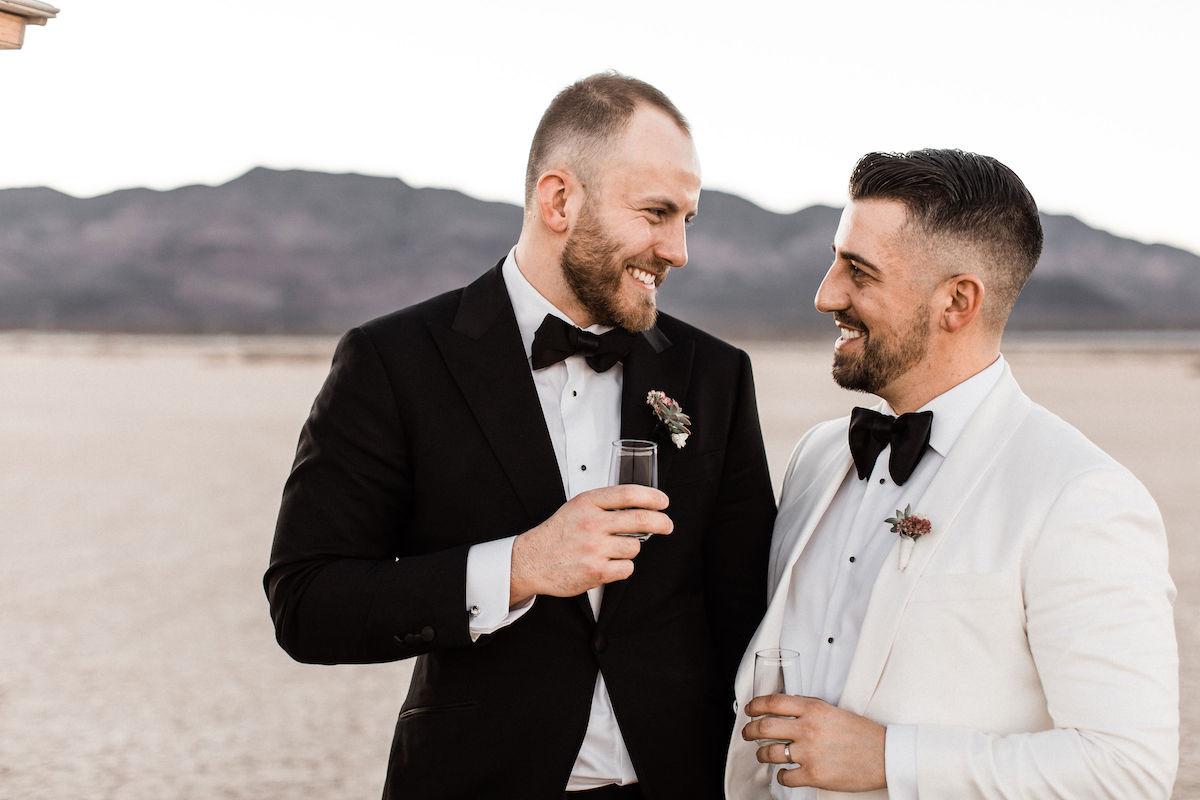 8J0A6704las-vegas-gay-elopement-dry-lake-bed.jpg
