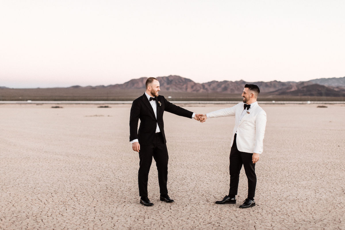 8J0A6801las-vegas-gay-elopement-dry-lake-bed.jpg