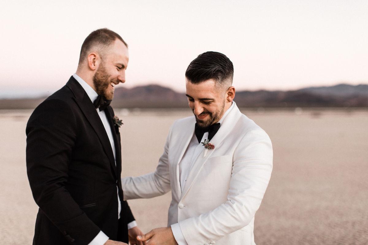 8J0A6852las-vegas-gay-elopement-dry-lake-bed.jpg
