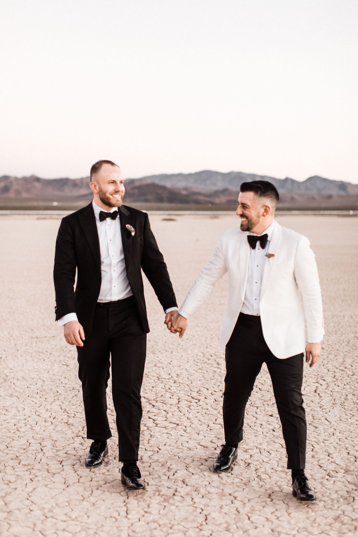 8J0A6889las-vegas-gay-elopement-dry-lake-bed.jpg