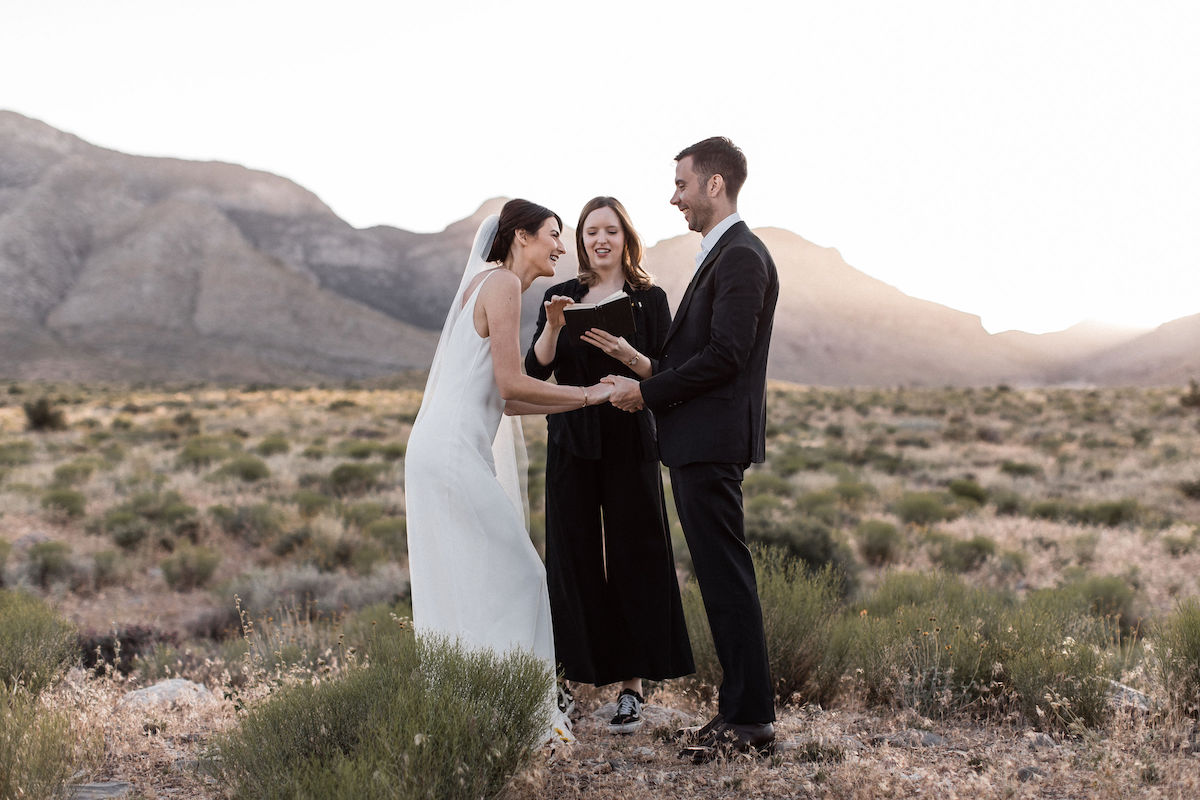 intimate red rock canyon elopement00032.jpg