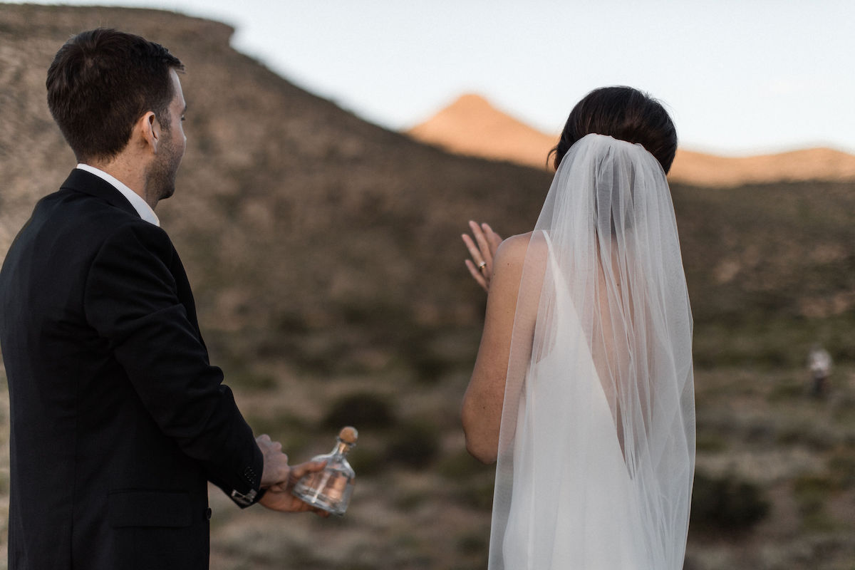 intimate red rock canyon elopement00044.jpg