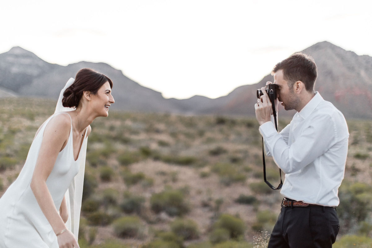 intimate red rock canyon elopement00006.jpg