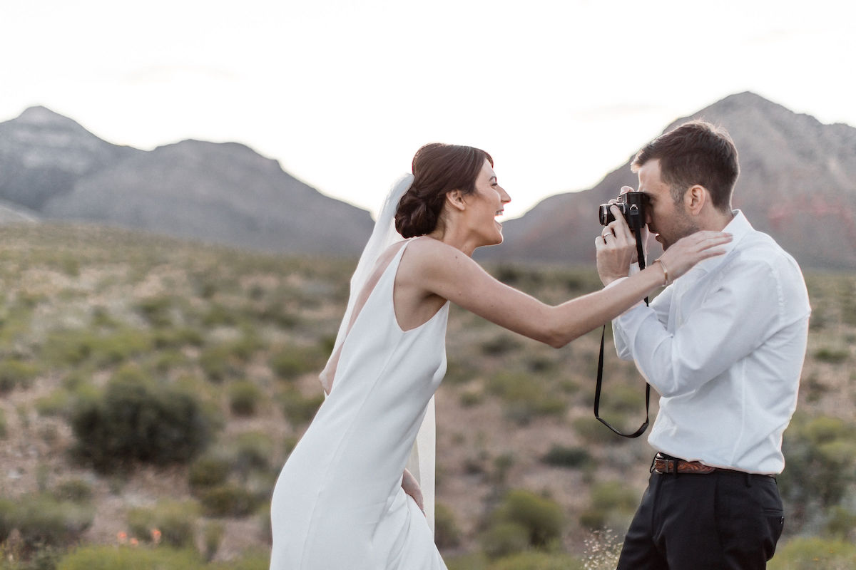 intimate red rock canyon elopement00007.jpg