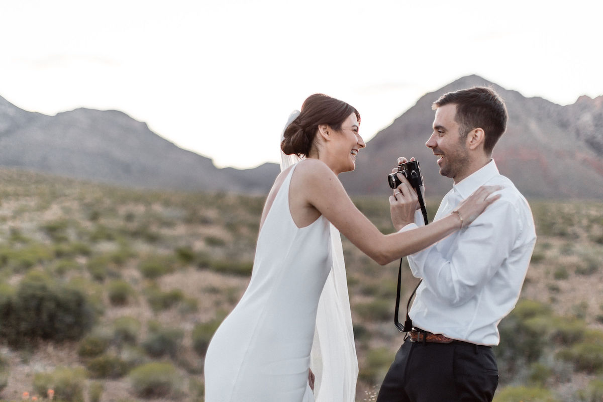 intimate red rock canyon elopement00008.jpg