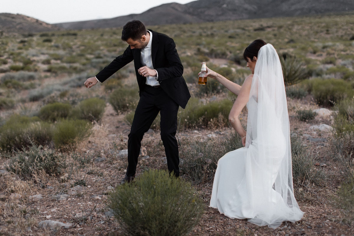 intimate red rock canyon elopement00022.jpg