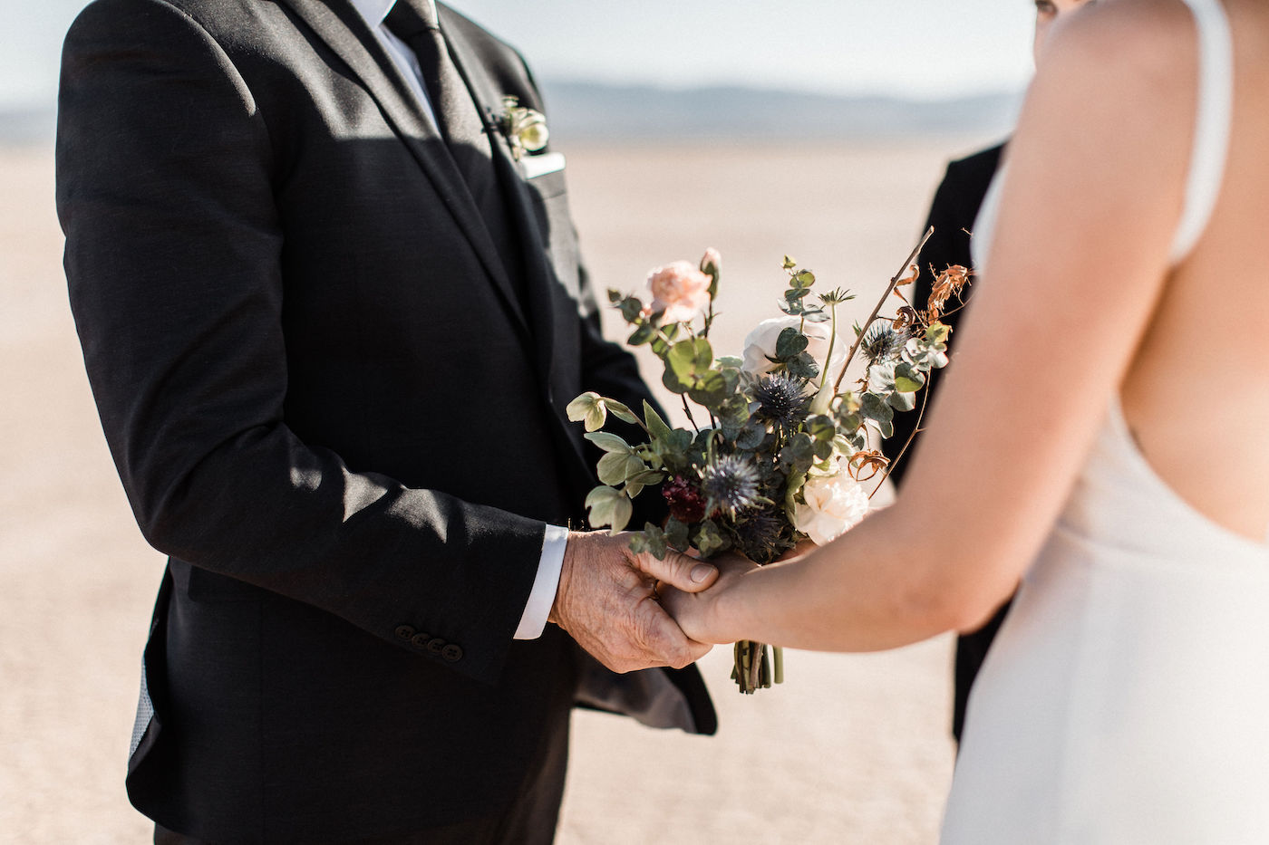 intimate flora pop las vegas elopement at dry lake bed00001.jpg