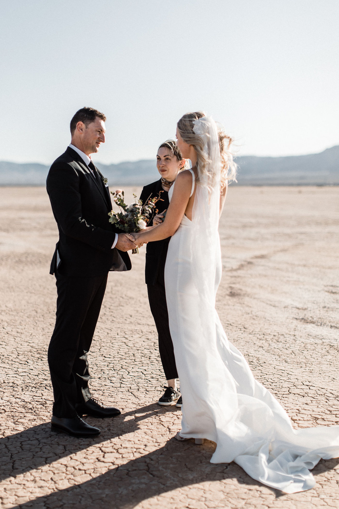 intimate flora pop las vegas elopement at dry lake bed00003.jpg